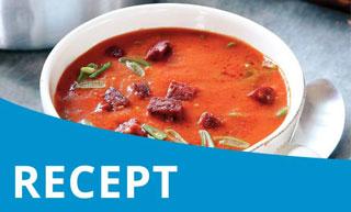 Oranje Koningssoep met gegrilde paprika en vegetarische chorizo