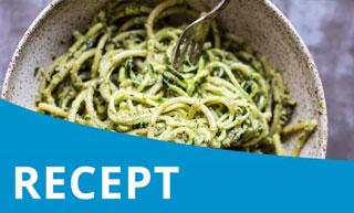 Vegan pasta met avocado en tuinbonen